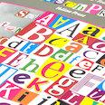 Magneetletters & getallen, voor mededelingen, vragen & meer, meer dan 200 deeltjes