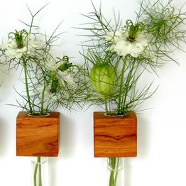 Practische magnetische bloemenvaas van hout